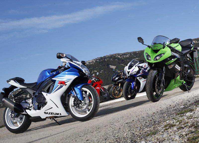 Poll: 2011 Suzuki GSX-R600 v Daytona 675 v ZX-6R v R6 v CBR600RR |