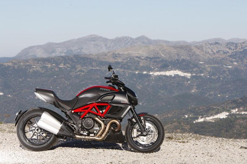 ducati diavel (2011-on) review | mcn