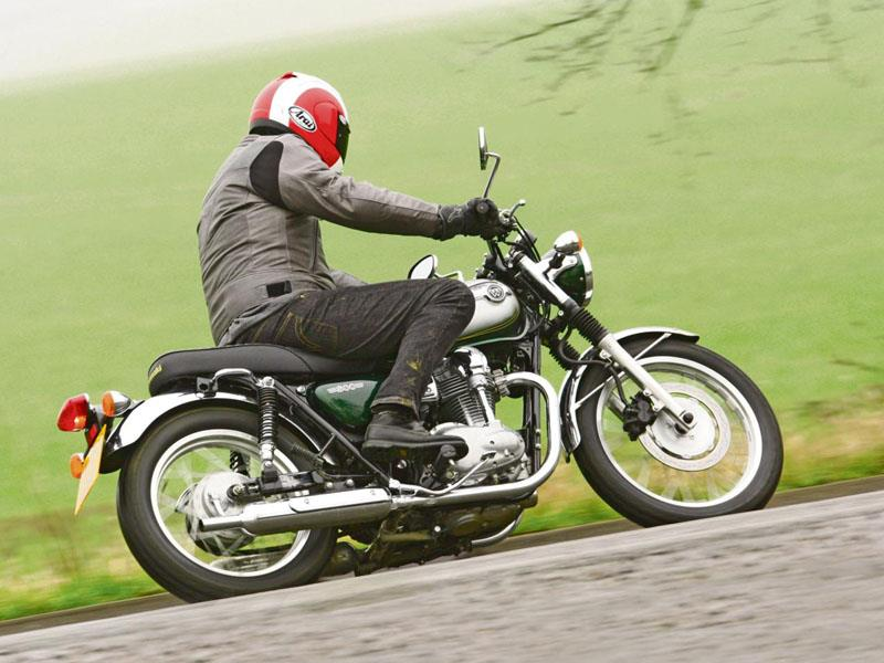 Kawasaki W800 2011 On Review Mcn