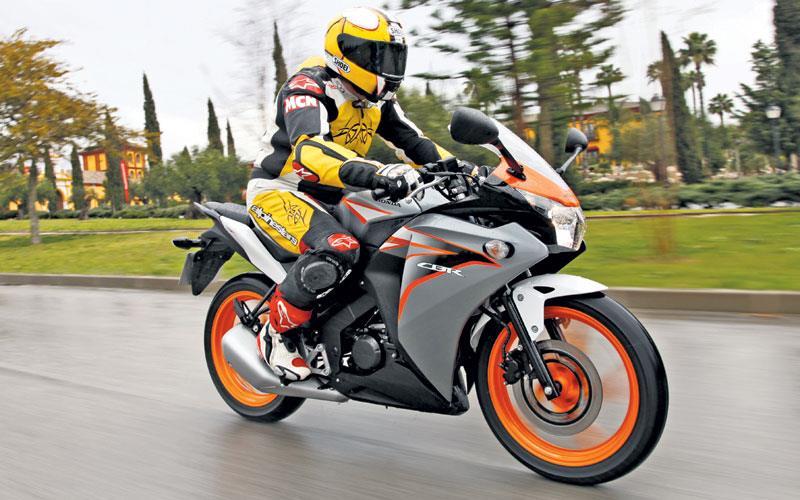 Honda Cbr125r First Ride It S Good Mcn