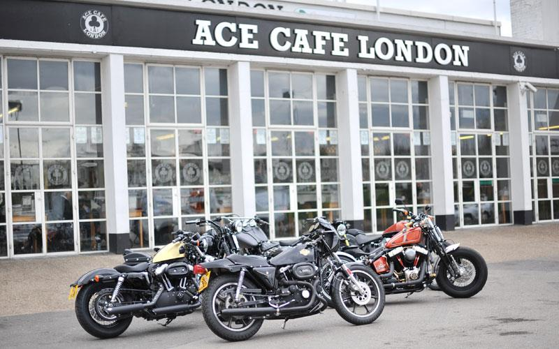 Harley Davidson: Warr's Custom Competitions At Ace Cafe