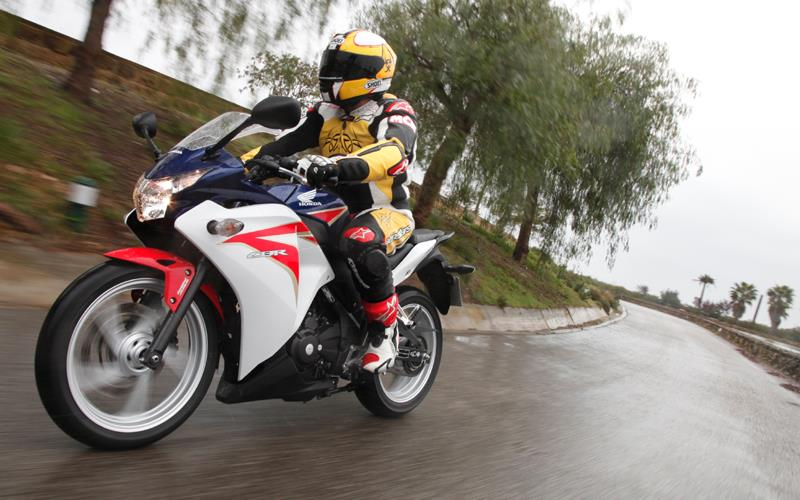 HONDA CBR250R (2011-2013) Review | Speed, Specs & Prices | MCN