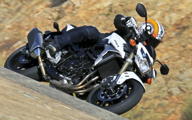 SUZUKI GSR750 (2011-on) Review | MCN