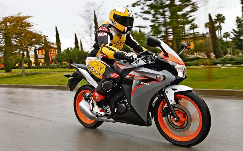 Honda Cbr125r 2011 On Review Mcn