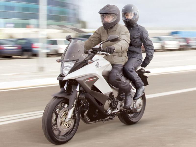 Honda Crossrunner 800 2011 2014 Motorcycle Review Mcn