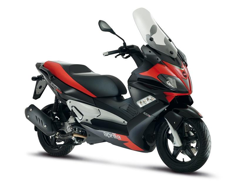 new aprilia sr max 125 and 300 scooters mcn. Black Bedroom Furniture Sets. Home Design Ideas