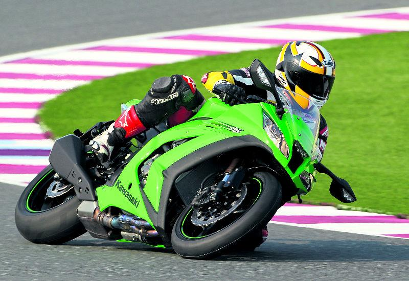 Video: Kawasaki ZX-10R is ideal for trackdays
