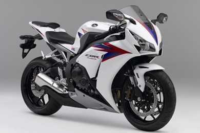 Honda Cbr1000rr Review >> HONDA CBR1000RR FIREBLADE (2009-2012) Review | MCN