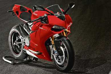 Ducati Panigale 1200cc >> Video Building The Ducati 1199 Panigale Mcn
