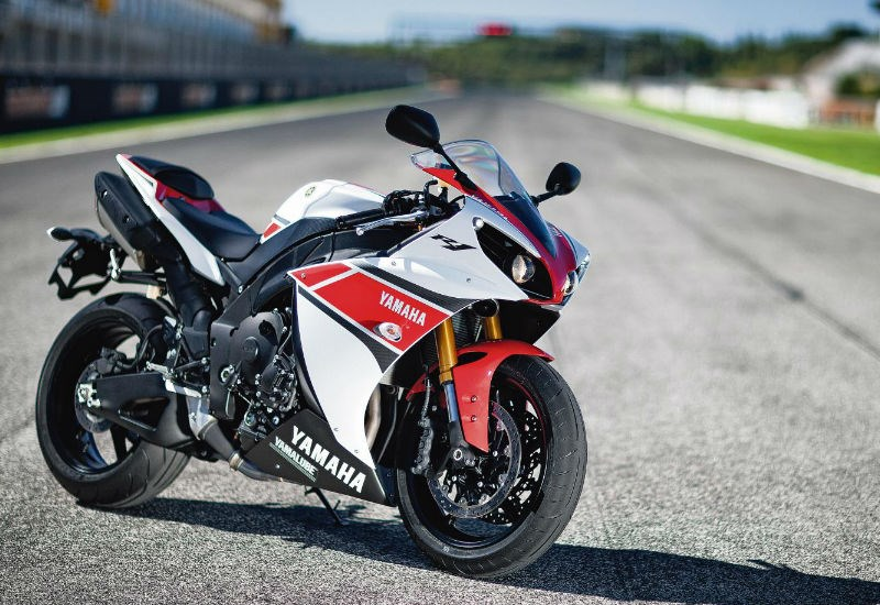 YAMAHA R1 (2012-2014) Review | Speed, Specs & Prices | MCN