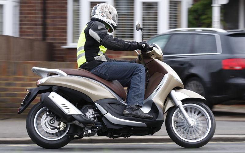piaggio beverly 300 (2011-on) review | mcn