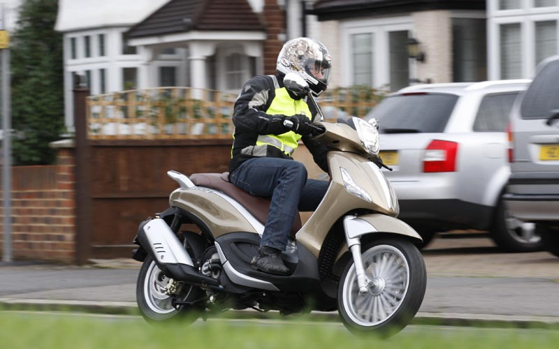 PIAGGIO BEVERLY 300 (2011-on) Review | Specs & Prices | MCN