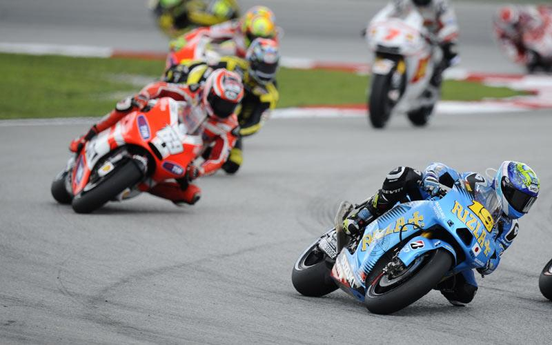 suzuki to enter new 1000cc bike in selected races in 2013 mcn