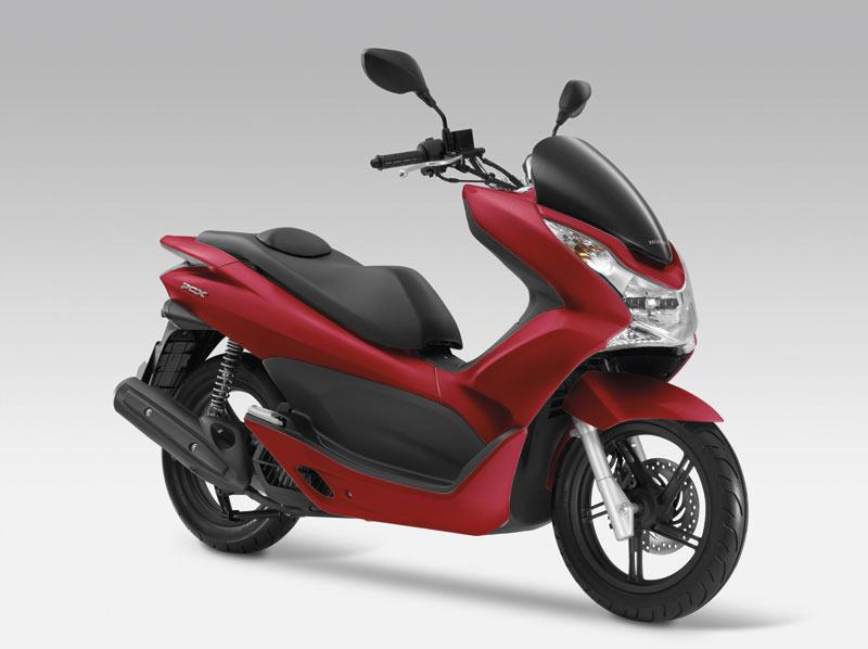 new honda pcx125 gets claimed 133mpg mcn. Black Bedroom Furniture Sets. Home Design Ideas
