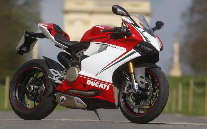Ducati S Tricolore Vs