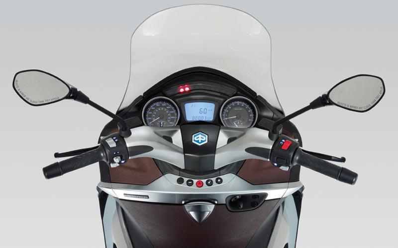 piaggio x10 350 (2012-on) review | mcn