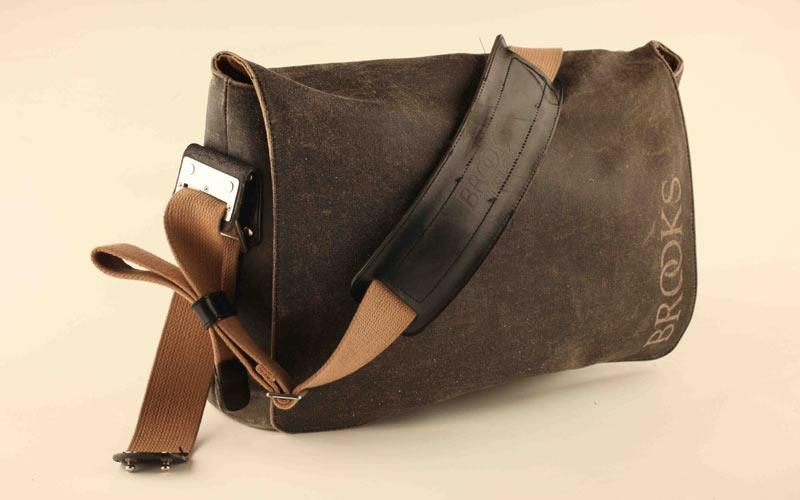63b4ae3a7ce Product review: Brooks Barbican shoulder bag