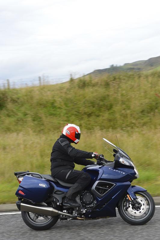 Triumph Trophy 1200 Se 2012 On Review Mcn