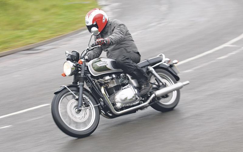 best bikes for under £5k: 2008-2009 triumph bonneville | mcn