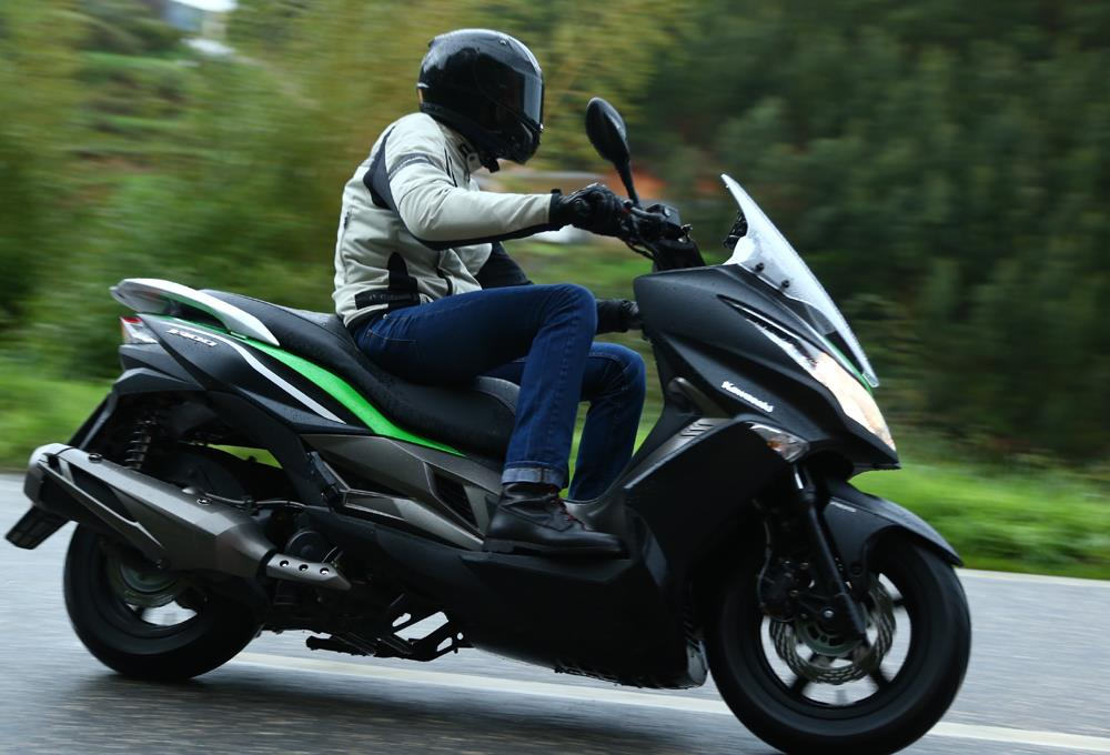 Kawasaki J300 2014 On Review Speed Specs Prices Mcn