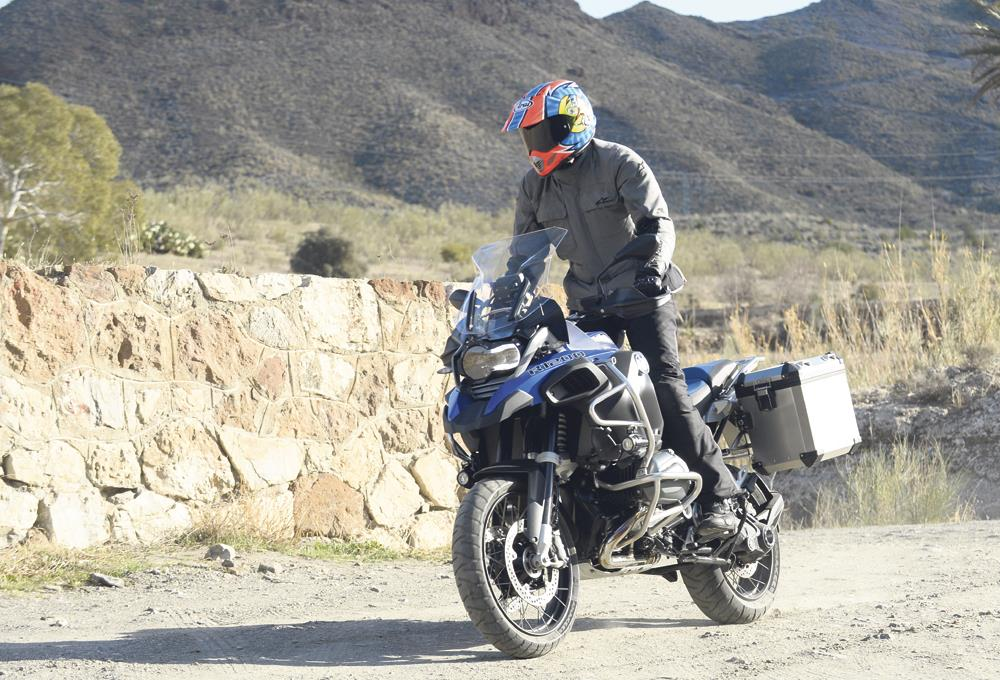 BMW R1200GS ADVENTURE (2014-on) Review | MCN