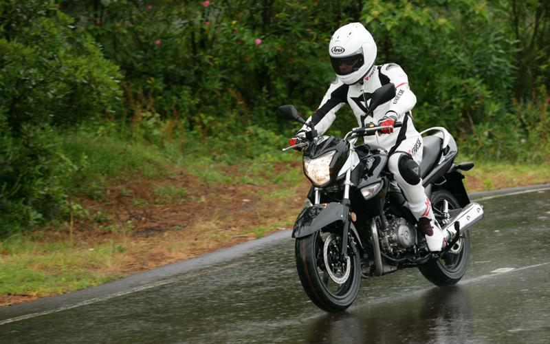 Suzuki gw250 review uk dating