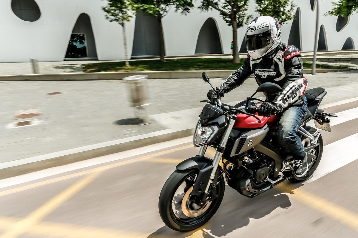 Yamaha MT-125 first ride | MCN: www.motorcyclenews.com/news/first-rides-tests/2014/june/yamaha-mt...