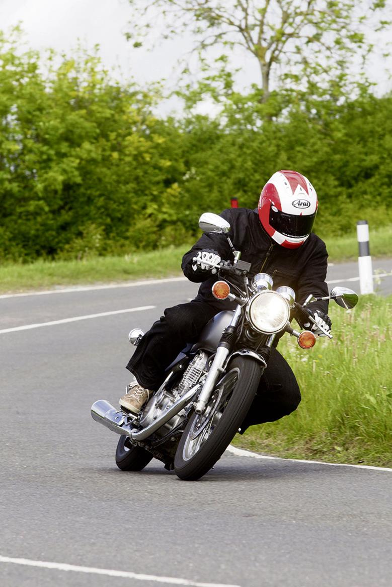 YAMAHA SR400 (2014-on) Review | MCN