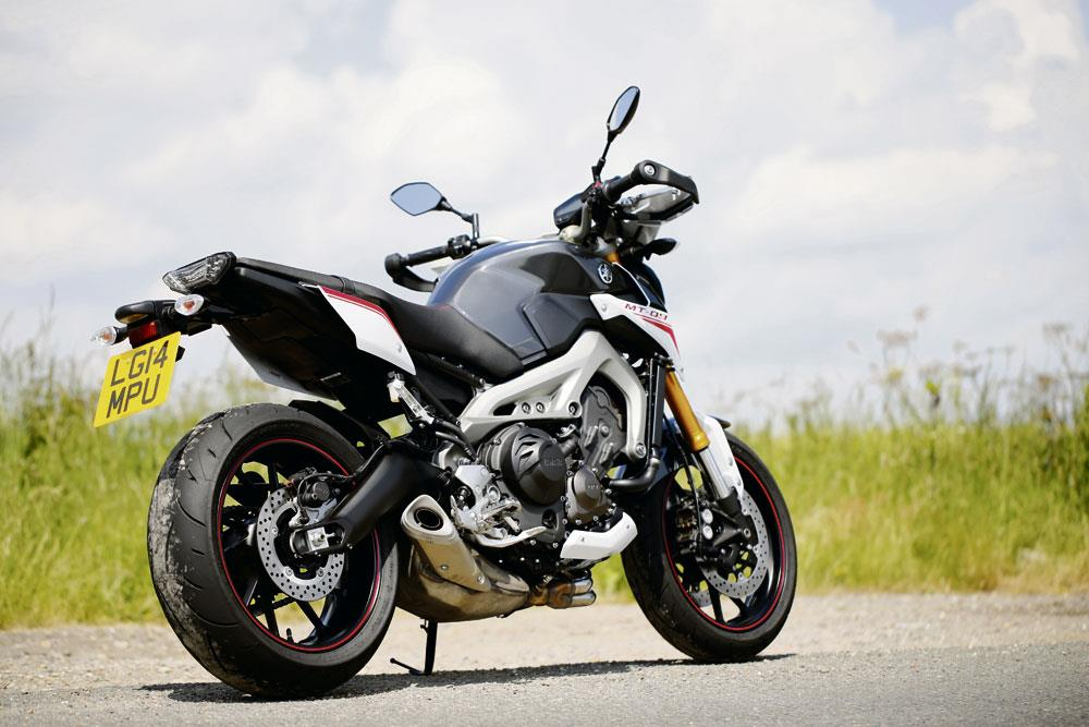 Yamaha mt 09 sr 2014 on review mcn for Yamaha mt 200