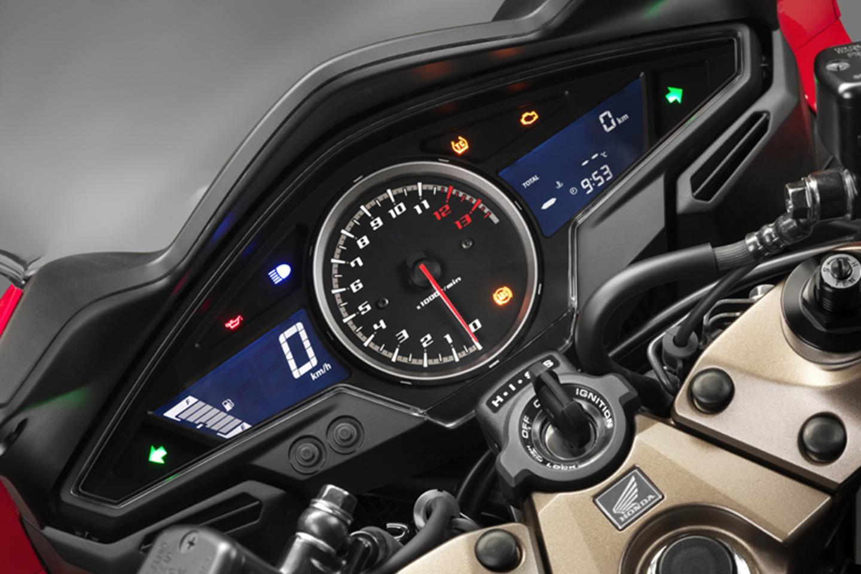 Honda VFR 800 VTEC clocks