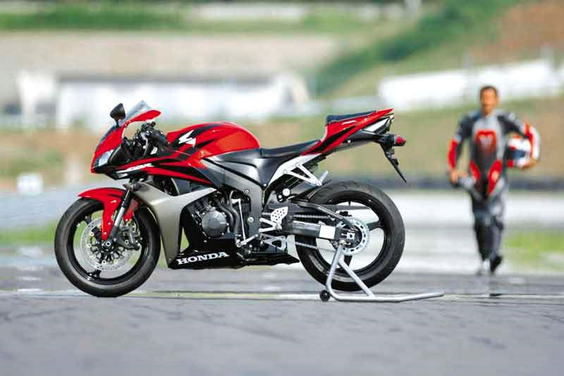 HONDA CBR600RR (2007-2008) Review | Speed, Specs & Prices | MCN