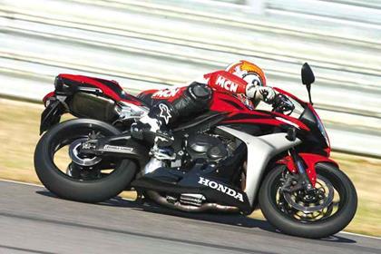 Honda CBR600RR motorcycle review - Riding