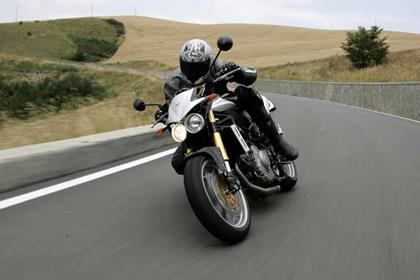Moto Morini Corsaro 1200 motorcycle review - Riding