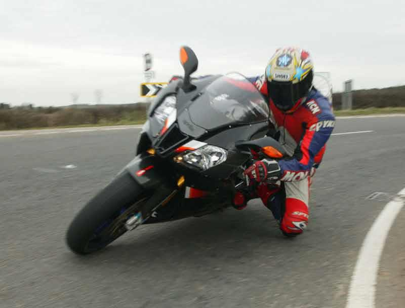 APRILIA RSV1000 R (2004-2010) Review | Specs & Prices | MCN