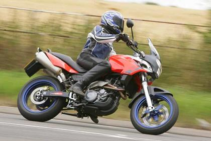 Aprilia Pegaso motorcycle review - Riding
