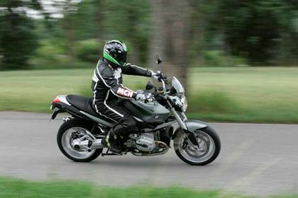 BMW R1200R motorcycle review - Riding