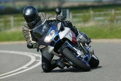 BMW R1100S motorcycle review - Riding
