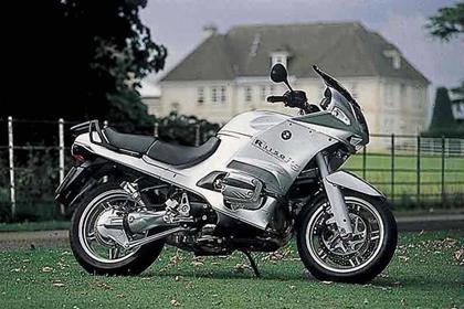 BMW R1150RS motorcycle review - Side view