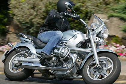 BMW R1200C motorcycle review - Riding