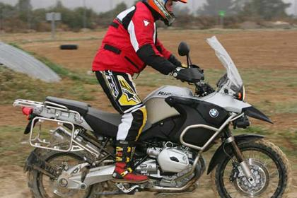 BMW R1200GS Adventure motorcycle review - Riding