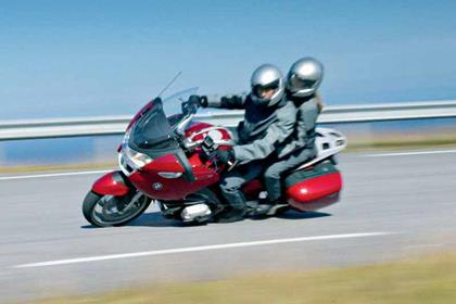 BMW R1200RT motorcycle review - Riding