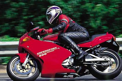 Ducati 600SS motorcycle review - Riding