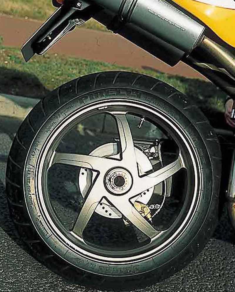 Ducati 748 1994 2003 Review Mcn Fuel Pump Wiring Motorcycle Brakes