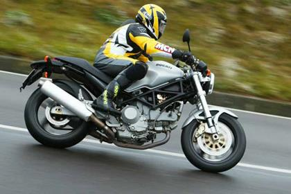 Ducati Monster 1000 motorcycle review - Riding