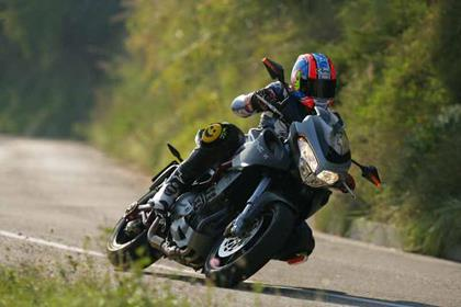 Benelli Tre K 1130 motorcycle review - Riding
