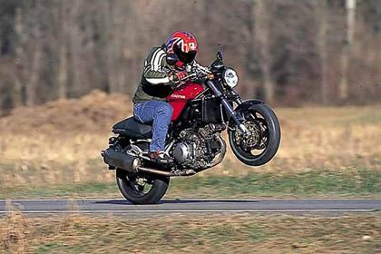 Cagiva Raptor 1000 motorcycle review - Riding