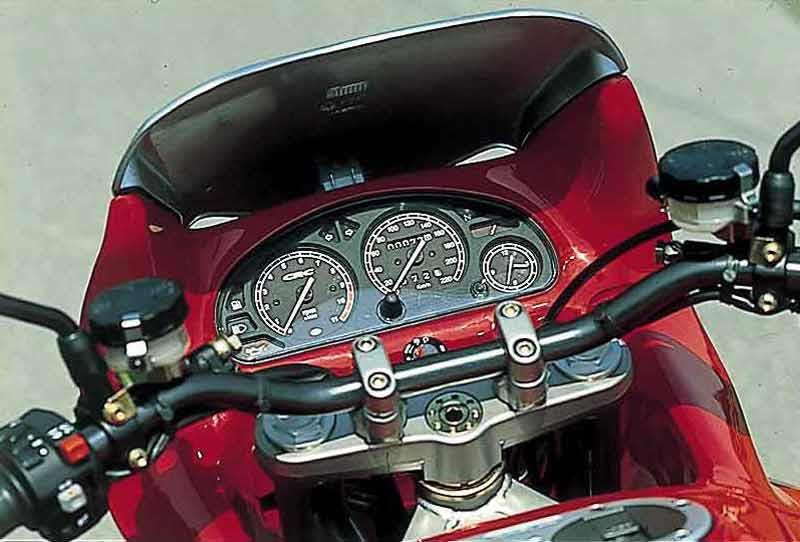 CAGIVA GRAN CANYON 900 (1998-2000) Motorcycle Review | MCN