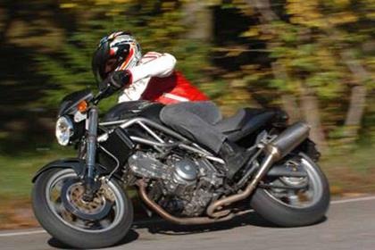 Cagiva Raptor 650 motorcycle review - Riding
