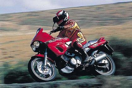 Yamaha TDM850 motorcycle review - Riding