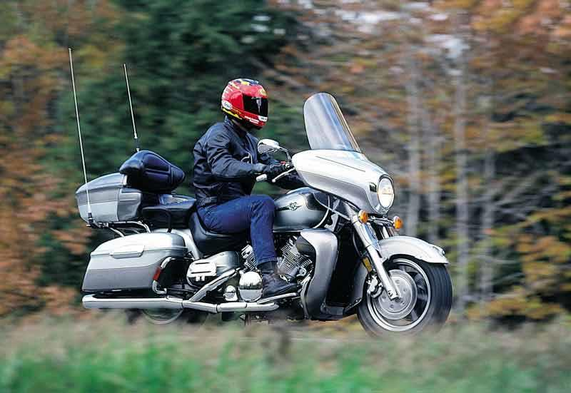 Yamaha xvz1300 royal star 1996 2001 review mcn yamaha xvz1300a royal star motorcycle review riding publicscrutiny